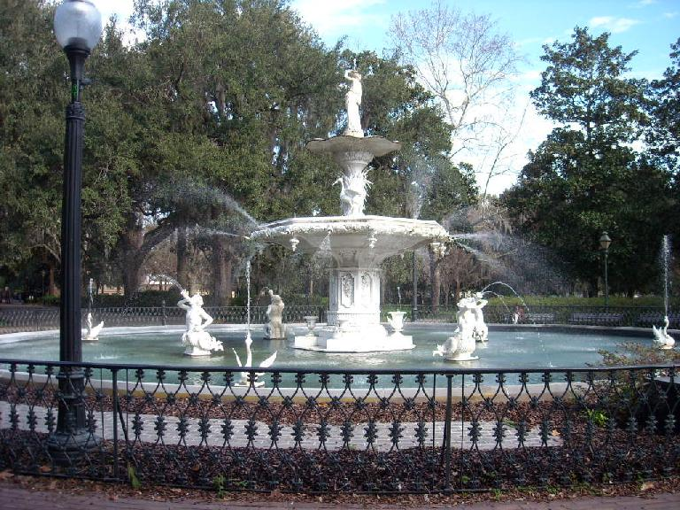 The fountain at Forsythe Park.