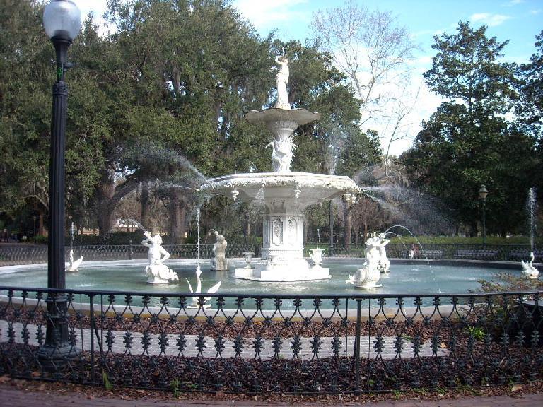 The fountain at Forsythe Park.