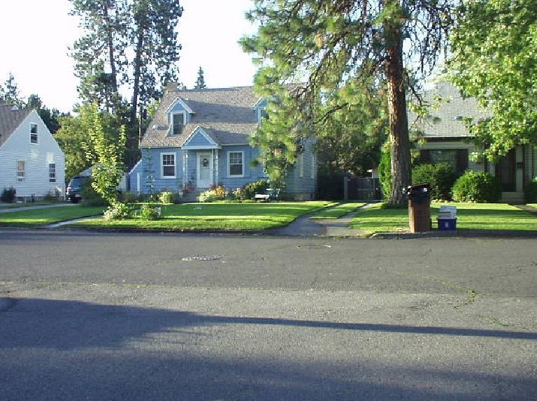 Even the older neighborhoods were beautifully kept with well-maintained lawns and lots of trees.