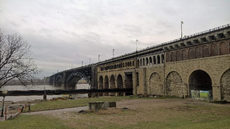 Eads Bridge.