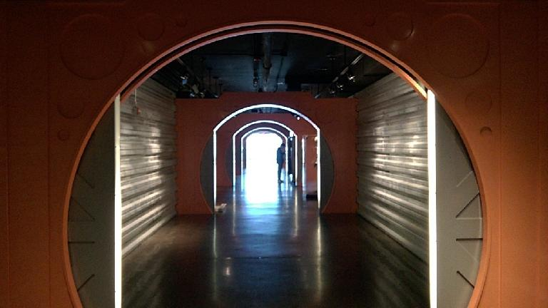 Passageway from the Planetarium to the Skybridge of the St. Louis Science Center.