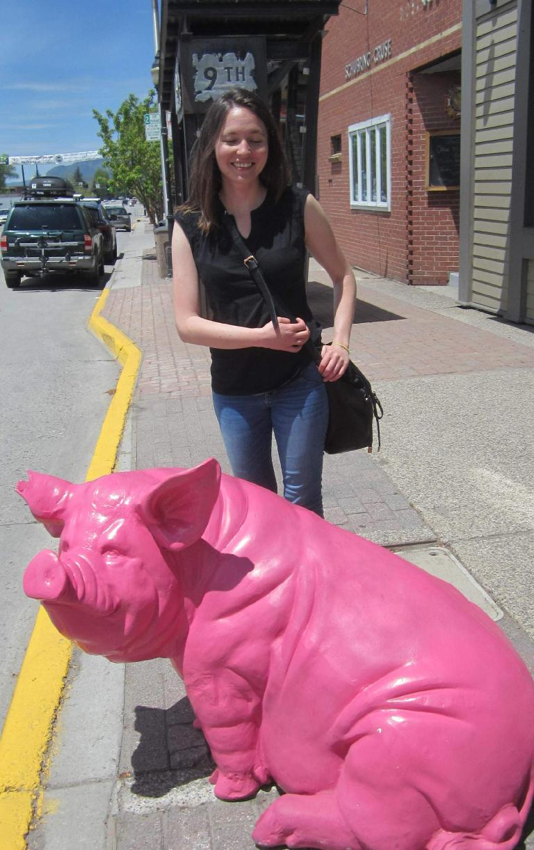 Maureen, pink pig, downtown Steamboat Springs