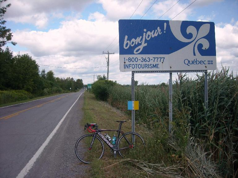 black 2010 Litespeed Archon C2, bonjour Quebec sign