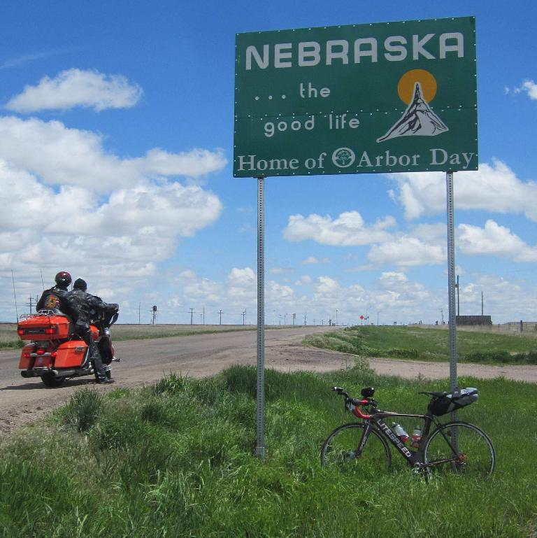 black 2010 Litespeed Archon C2, Nebraska the Good Life, Home of Arbor Day sign