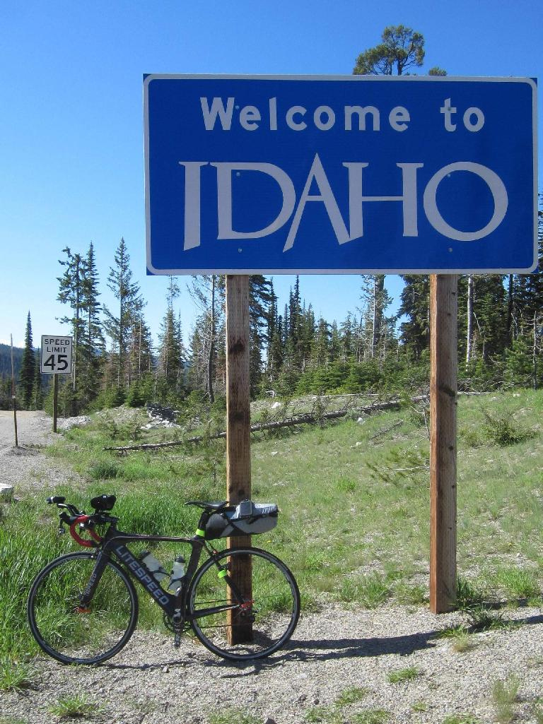 black 2010 Litespeed Archon C2, Welcome to Idaho sign