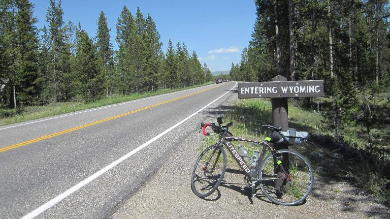 black 2010 Litespeed Archon C2, Entering Wyoming sign