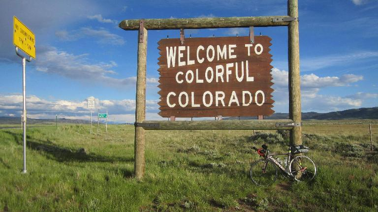 black 2010 Litespeed Archon C2, Welcome to Colorful Colorado sign