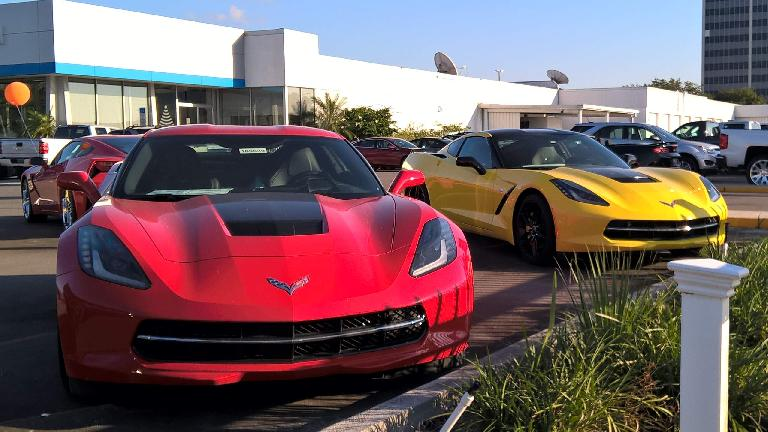 red Chevrolet Corvette C7, yellow Chevrolet Corvette C7