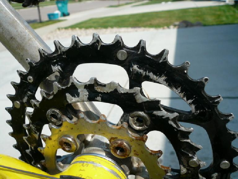 After the race I was shocked to see just how worn the middle chainring was, including broken teeth. (August 7, 2008)