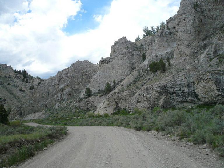 "[Day 9, Mile ~825] Long but rocky descent east of the Medicine Lodge-Big Sheep Creek Divide through ""Big Sky Country"" west of Lima, MT. (June 21, 2008)"