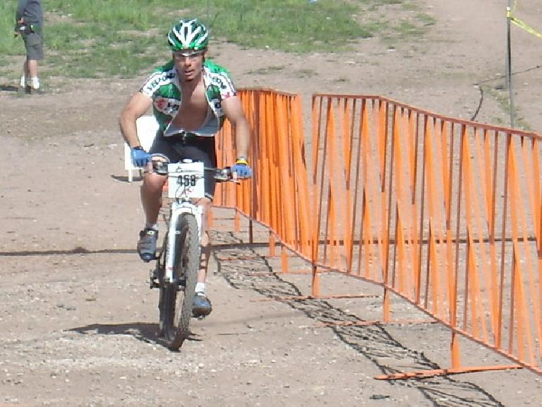 Eddie coming in for a 2nd place finish!