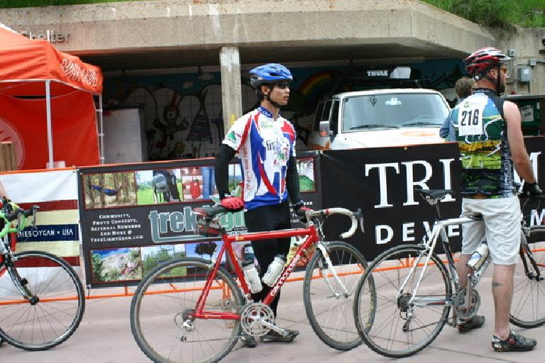 Felix Wong lining up for the Hill Climb up Vail Pass. Photo: Eddie Metro. (June 7, 2009)