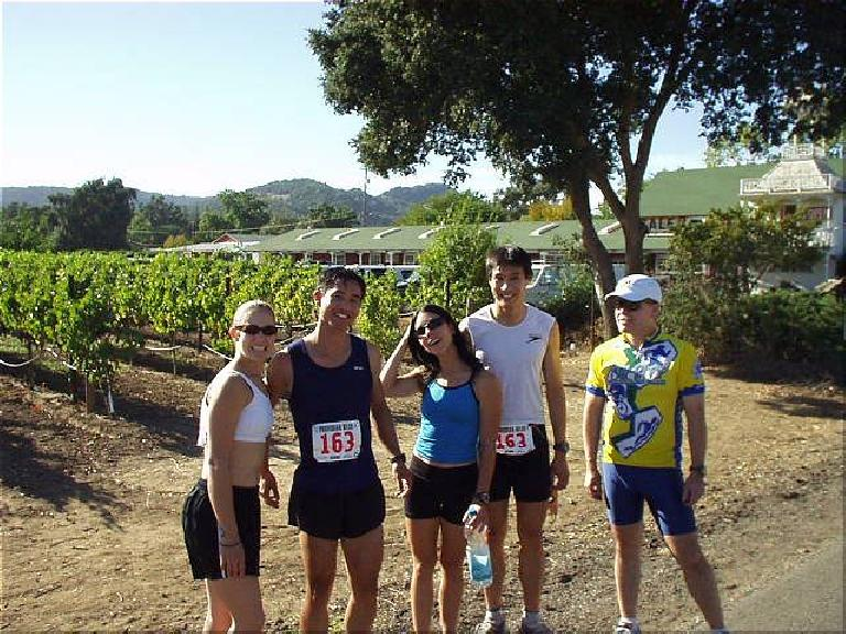 [Mile 26, 3:28 elasped, 3:58 p.m.] After the 5th leg, we ran into fellow Tri-City Tri Club member Peter, who was a race volunteer.  He snapped this picture of Heidi, Felix, Lisa, Everitt and Phil for us while we awaited Mike's arrival... thanks, Peter! Photo: Peter Gonscherowski.