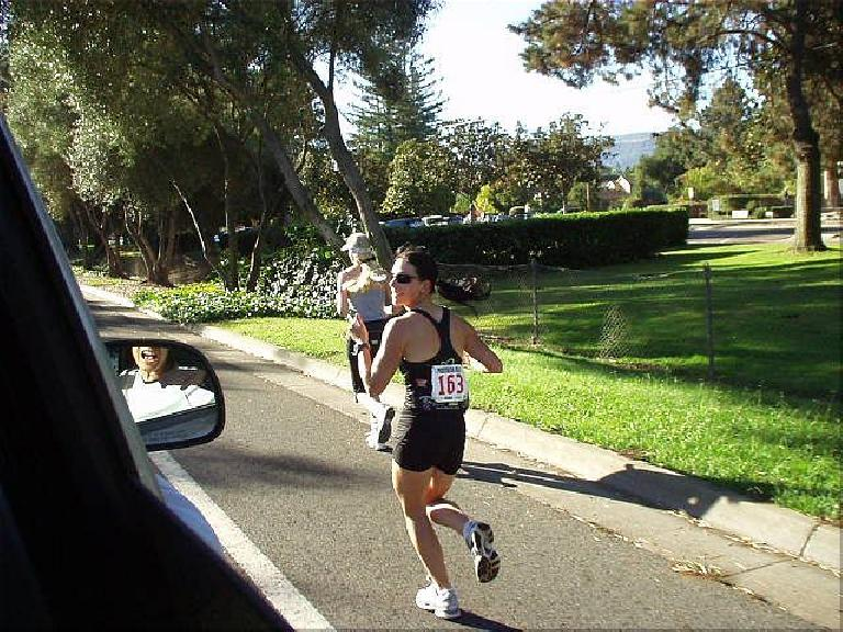 [Mile 151, 20:54 elasped, 9:24 a.m.] Lisa proved to be our most consistent runner. It didn't matter whether the leg was rated easy, moderate, or hard--she ran every one at a ~7:30 pace! (October 12, 2003)