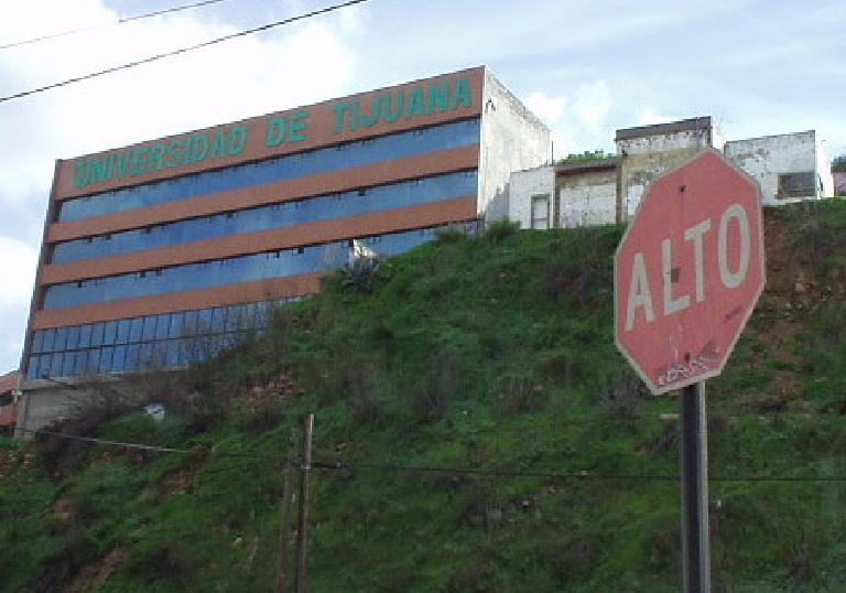 """Alto"" means ""high"" in Spanish but I guess it means stop as well."