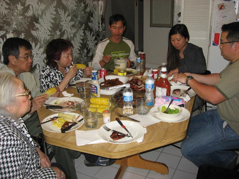 I also visited some family friends in Scarborough, including Paul, Michelle, Thao, Alex, and the grandmother. We had a nice barbecue feast.  Photo: Stephen. (May 25, 2008)