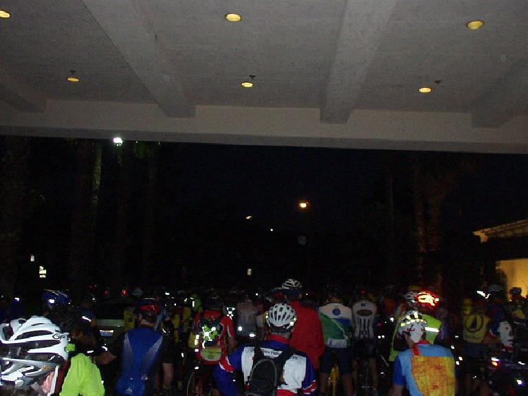 On this last Saturday of the summer, ~150 cyclists gathered around Planet Ultra's Chris Kostman for some last-minute info before the 6:15 a.m. mass start of the Classic Tour of Two Forests.