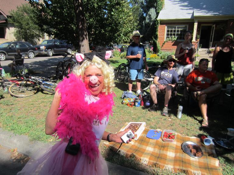 Cathy as Miss Piggy.