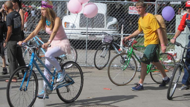 A lot of people had balloons at the Tour de Fat.