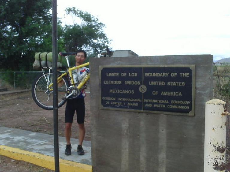 tour_divide08_finish_felix_wong.jpg
