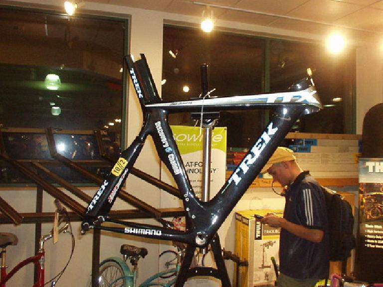 Lance's 2005 winning Time Trial frame.