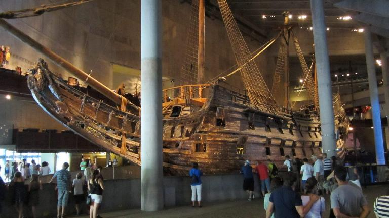 Front profile of the Vasa shipwreck.