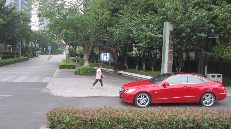 Elegant Mercedes-Benz in Suzhou. (May 17, 2014)