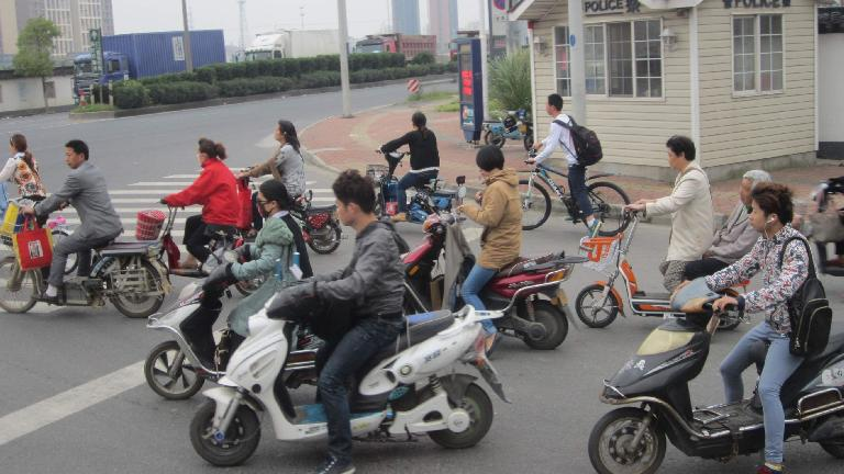 Lots of motorbikes in Suzhou. (May 18, 2014)