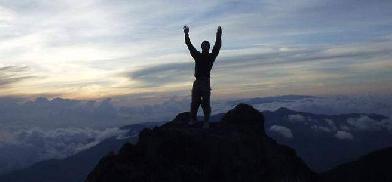 Felix Wong at la encima (11,400 feet).
