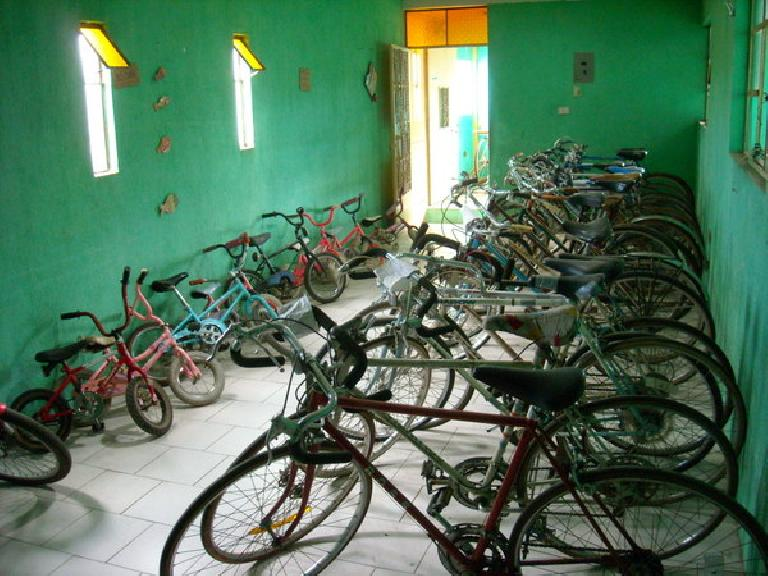 The showroom would have about a third as many bikes that are shown by the time I'd leave Maya Pedal. (December 26, 2010)