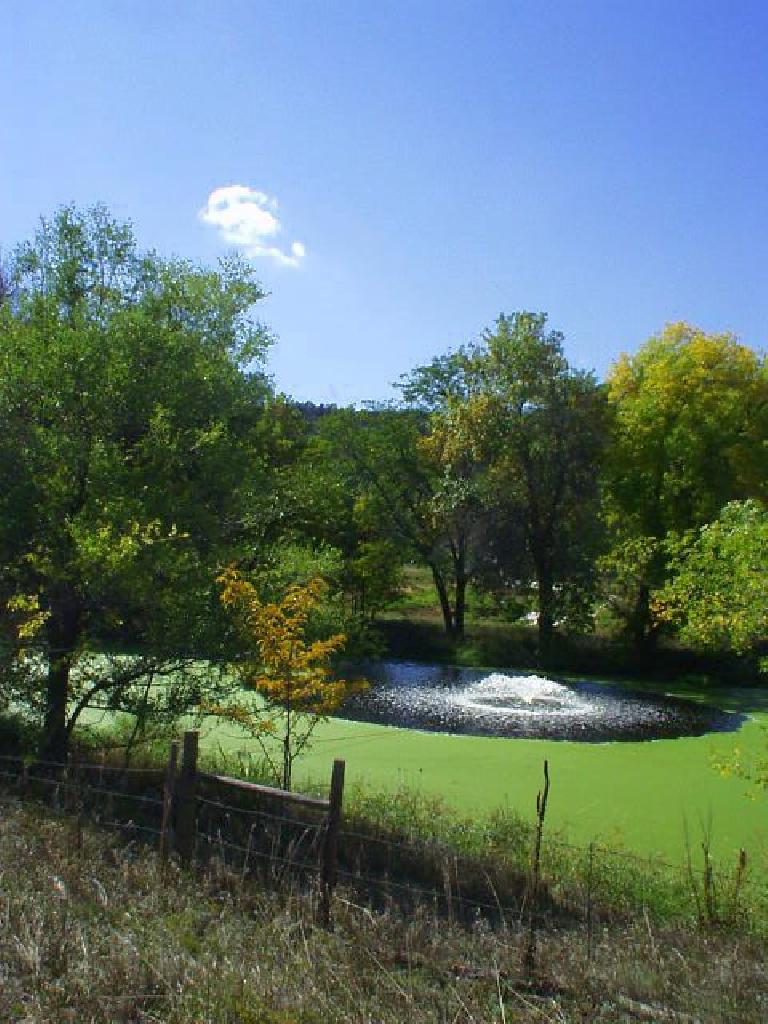 [Mile 122, 2:12 p.m.] Nice fountain.