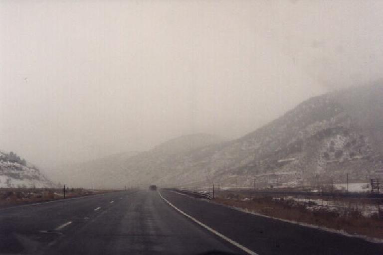 Snow resumes in Utah. (January 31, 2000)