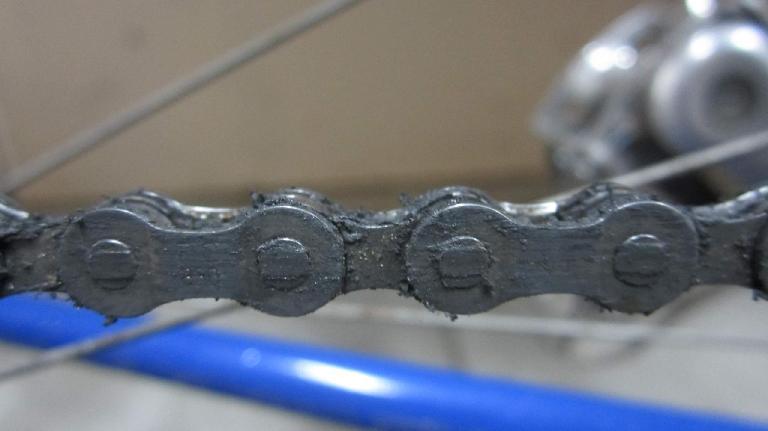 My Gitane's chain before using the Z Chain Oiler.